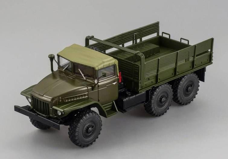 УРАЛ-375 тентованная кабина бортовой хаки